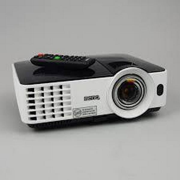 BenQ MW621ST Short Throw 3D DLP Projector