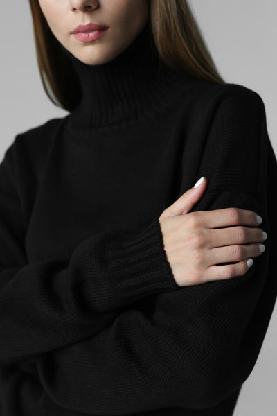 Sweater with high neck (black)