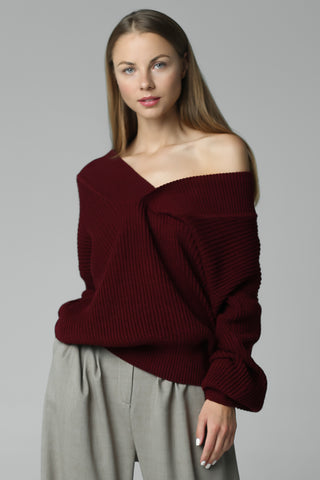 Jumper with open shoulders (wine)