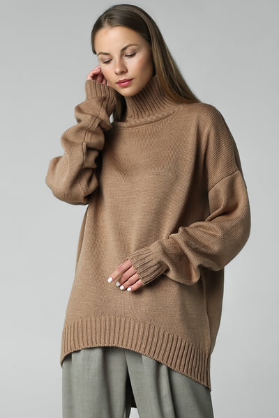 New asymmetric cut sweater (beige)
