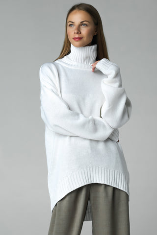 New asymmetric cut sweater (white)
