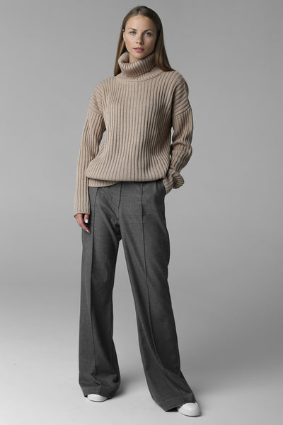 Rib-knit sweater with neck (beige)