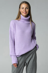 Rib-knit sweater with neck (lavender)
