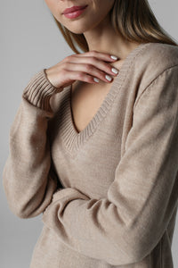 V-neck jumper (beige)