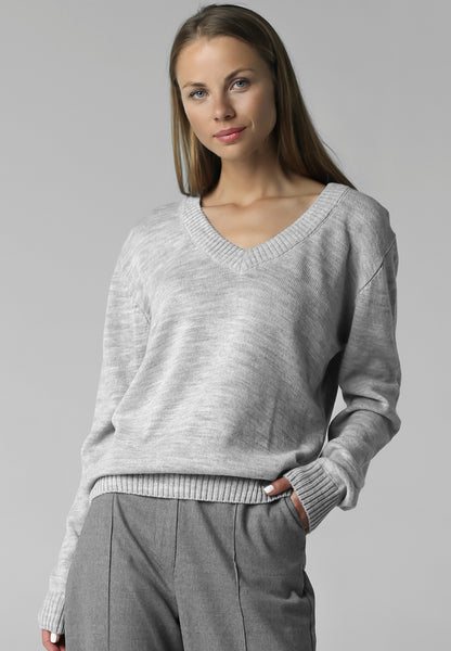 V-neck jumper (grey)