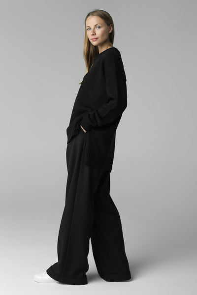 Asymmetric cut jumper (black)
