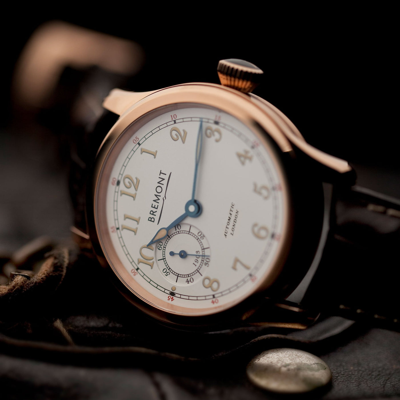 Bremont-Wright-Flyer-Gold-lifestyle-1