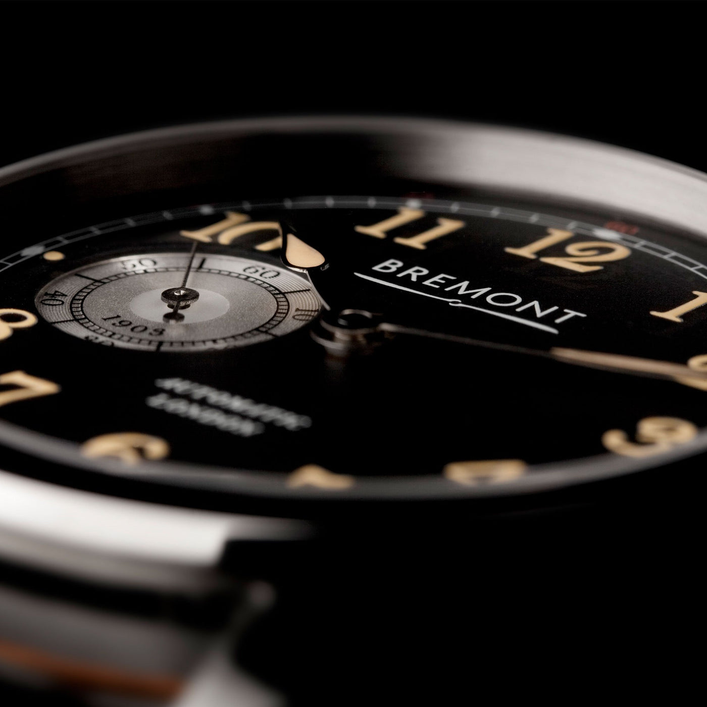 Bremont-Wright-Flyer-Gold-lifestyle-4