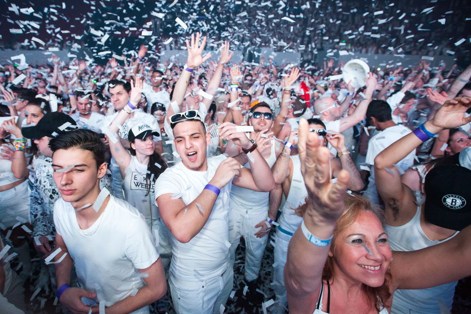 [BREAKING NEWS] Montreal's Beloved Bal en Blanc Teases Its Highly Anticipated Return