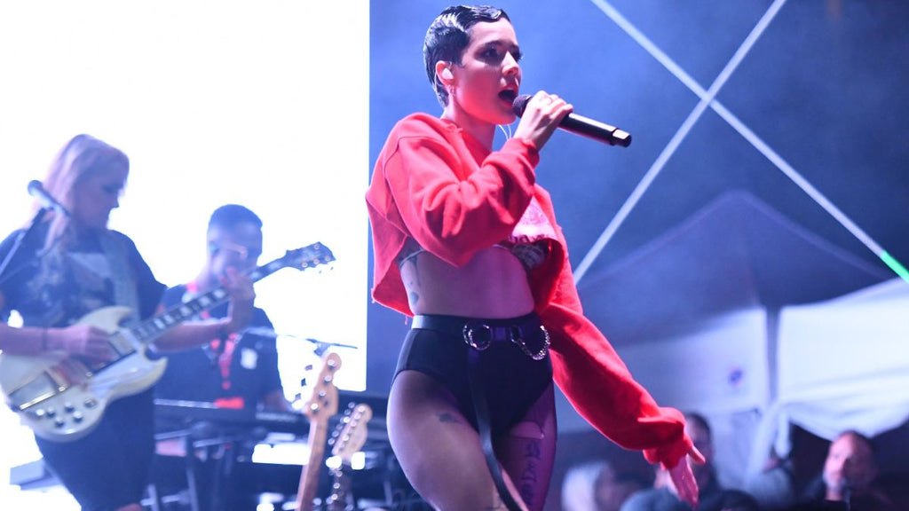 [Watch] Halsey Stands up to Heckler Chanting G-Eazy's Name While REZZ Watched