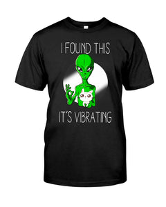 I Found This Cat Funny Alien Cute Cat T-shirt
