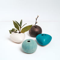 CERAMIC OKADA PEBBLE BUD VASES, HANDMADE IN JAPAN, JAPANESE MINIMALIST DESIGN