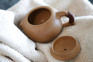 Yixing teapot seasoning tips to break in fall