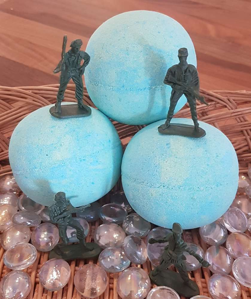 Soldier Hidden Treasure Bath Bomb