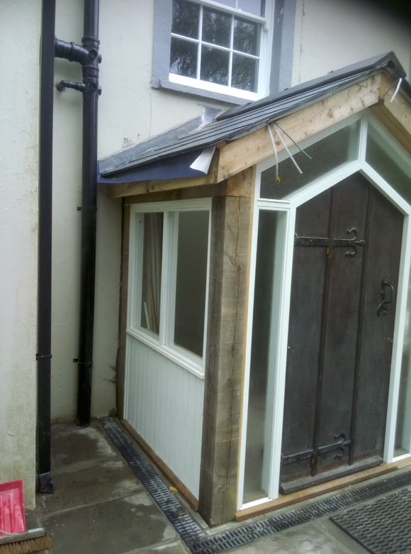 Porch in oak with door and glazing frame