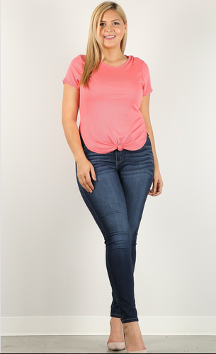 Twist it up  front knot Curvy tee