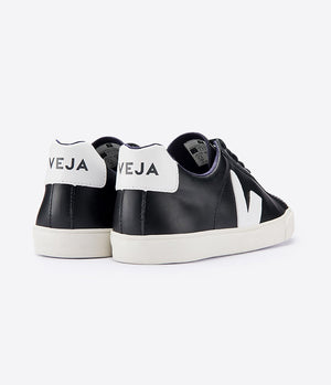 Veja Esplar Low Logo Trainers in Black & White - Man - bloke-white-denim
