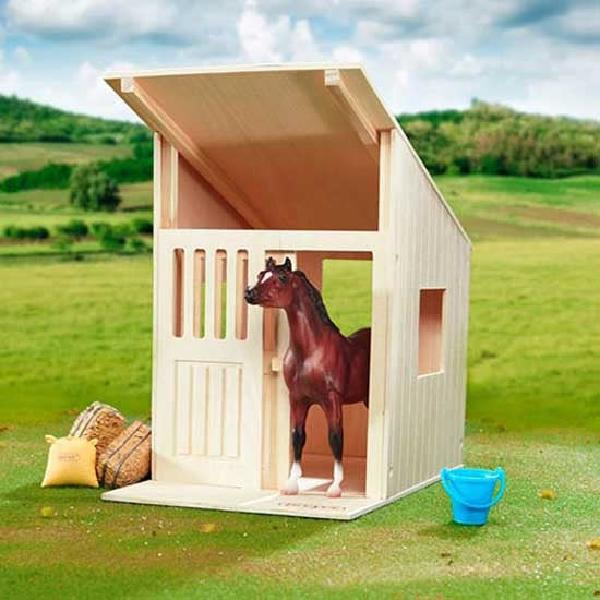 Breyer® Hilltop Stable, Solid Hardwood Stall