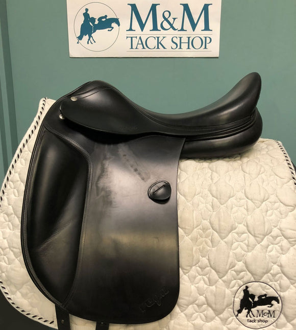 Vega Dressage Saddle