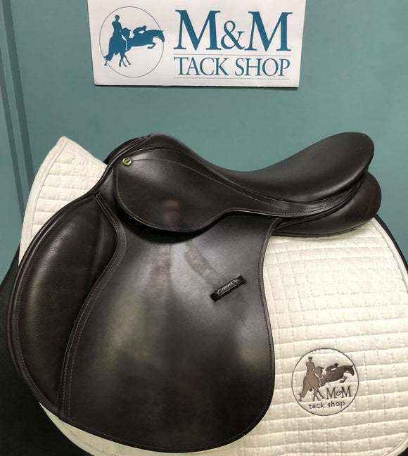 County Conquest Jump Saddle