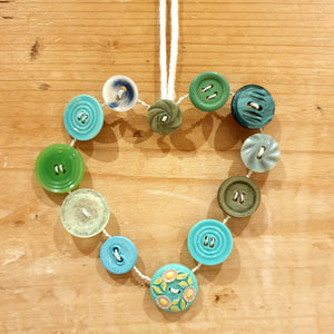 Button Hearts & Stars: #peaceandcraft Workshop Project 2020