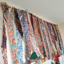 Load image into Gallery viewer, Scrap-busting Textiles Garland: #peaceandcraft Workshop Project 2020