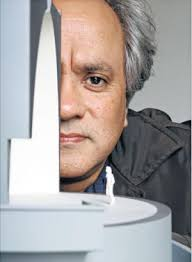 Art Industry News: Anish Kapoor Donates $1 Million 'Jewish Nobel Prize' to Refugees + More Must-Read Stories