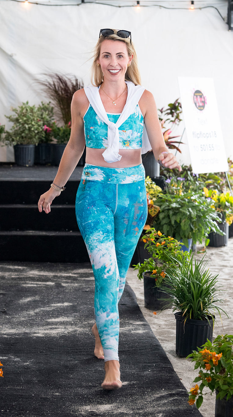 """White Flowers on Turquoise"" High-Waist Leggings"