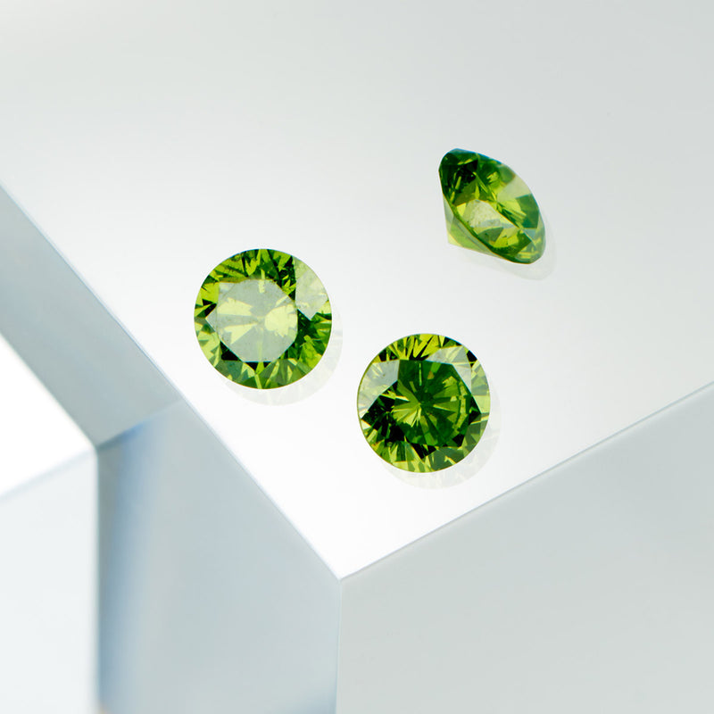Diamants Apple Green Serti 4 grains-rails - Tour complet 1.5 mm / 0,50 carat