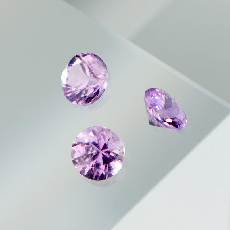 Bague Saphirs violets Serti 4 grains-rails - Tour complet 2.5 mm / 1.5 carat