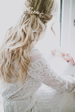 Load image into Gallery viewer, LAURA | Pearly beaded bridal hair comb - byKatriin