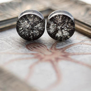 Black Cracked Glass Double Flared Plugs, Pair - 70 Knots