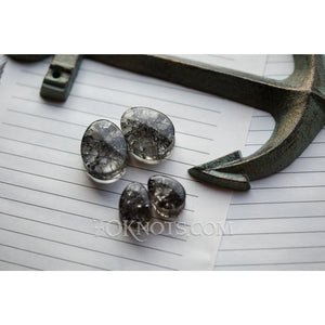 Teardrop Black Cracked Glass Double Flared Plugs, Pair - 70 Knots