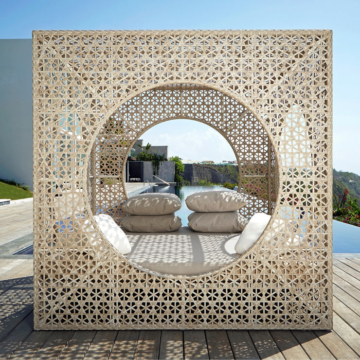 quality outdoor cube daybed by skyline design