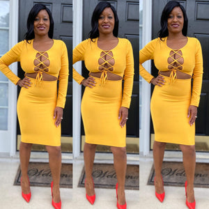 Yellow midi bandage dress with long sleeves