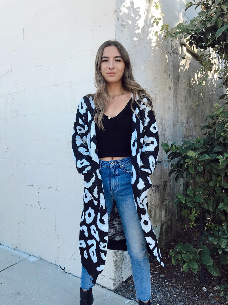 leopard cardigan, leopard sweater, black and white leopard cardigan, boho cardigan, cheetah cardigan, black and white cheetah cardigan, cozy cardigan, cardigan outfit, cardigan