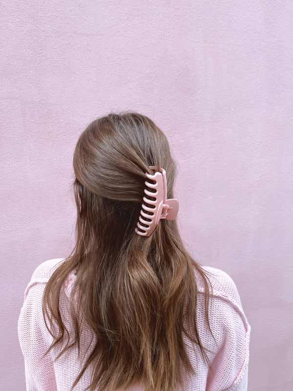 womens pink claw clip
