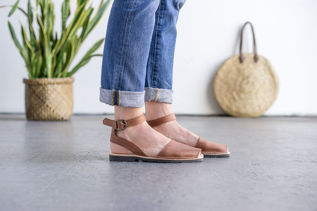 Brown Ankle Pons
