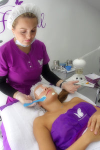 Peeling facial - advancedesthetic