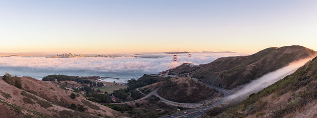 Golden gate Bridge Sunset low fog pour in pano