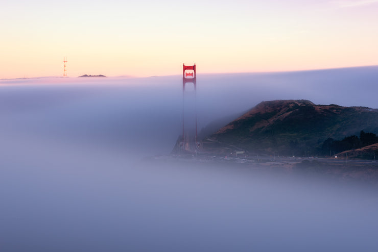 Classic Golden gate Bridge alignment Point low fog