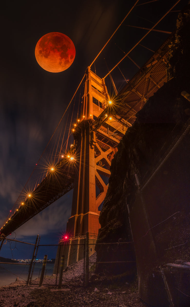 Golden Gate Bridge blood moon