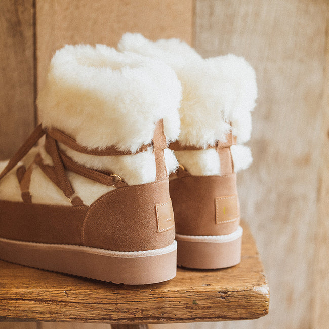Lace-up Tassel Plush Upper Snow Boots