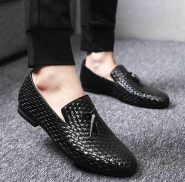 Slip-on Bullock Tassel Man Oxfords Driving casual Shoes.