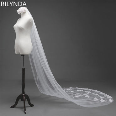 Long Lace Edge Bridal Veil with Comb Wedding Accessories.
