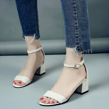 Summer Women  Gladiator Buckle Cover Fashion Chunky Ladies Sandals.