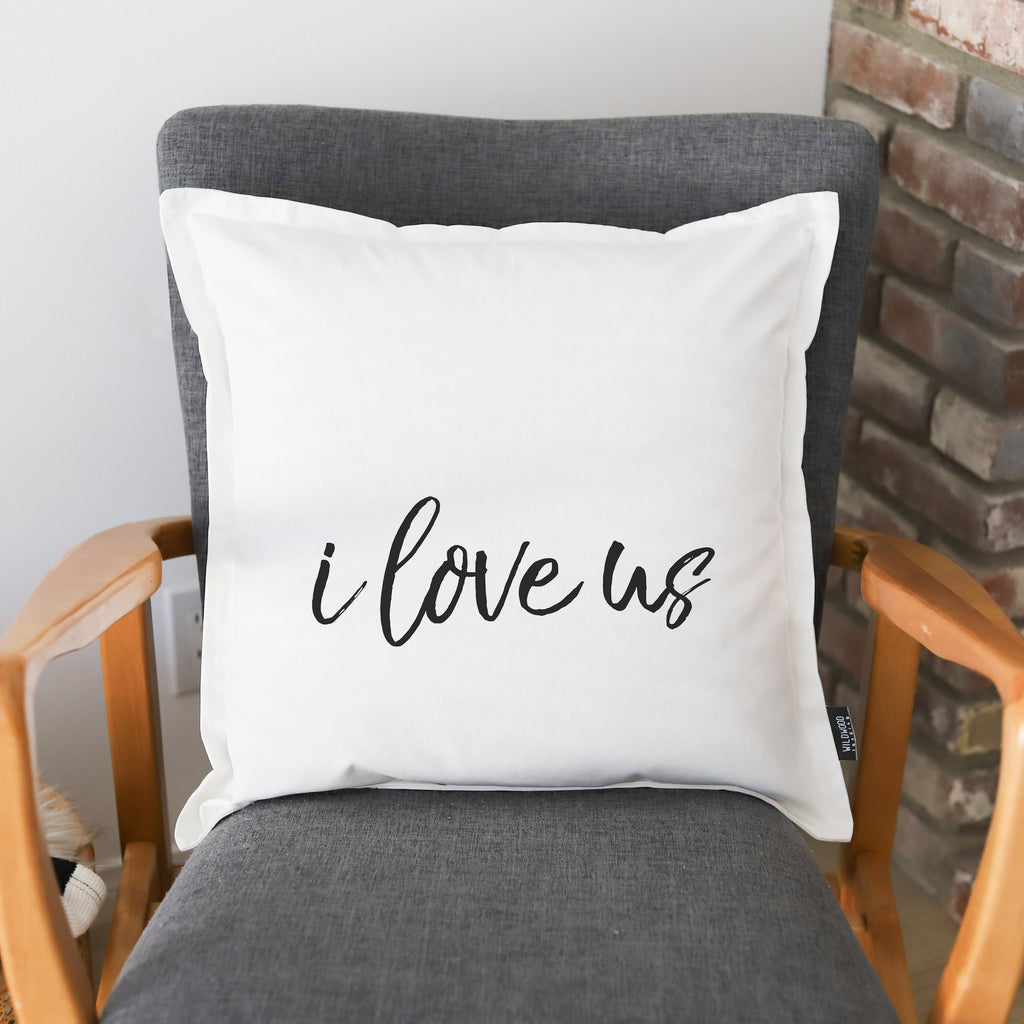 PILLOW: I LOVE US