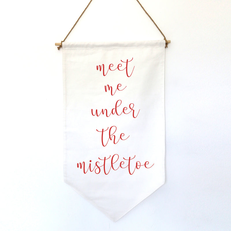 HANGING BANNER (Christmas, small): MEET ME UNDER THE MISTLETOE