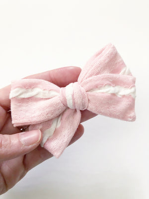 Sugar Cookie Jane Bow