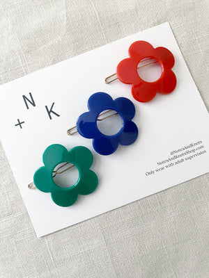 Green Flower Barrette Set